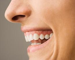 Ar aš galiu turėti dantų implantus?
