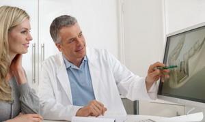Konsultacija su implantologu dėl implantavimo