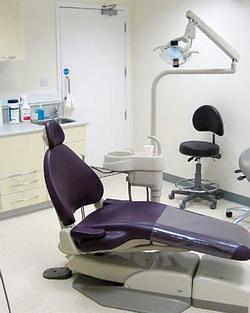 Kiek reikės vizitų dantų implantacijai?
